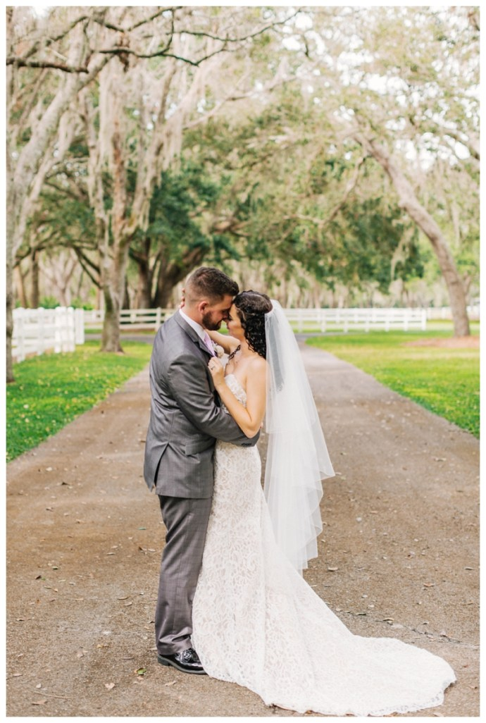 Lakeland-Wedding-Photographer_Wedding-at-The-Lange-Farm_Abby-and-Phillip_Zephyrhills-FL_0187.jpg