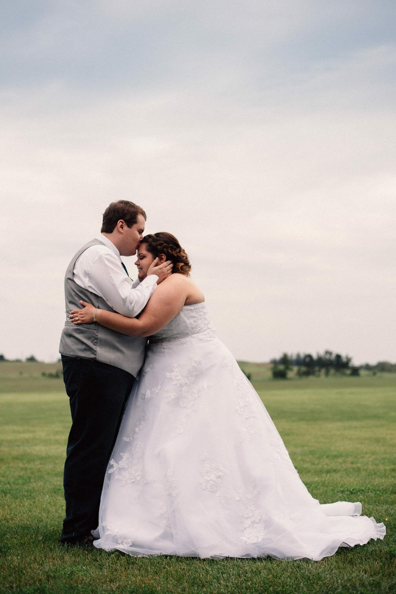 wedding photos at herongate wedding venue