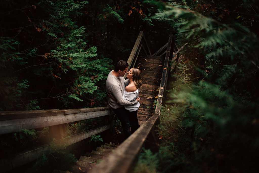 romantic engagement photos toronto