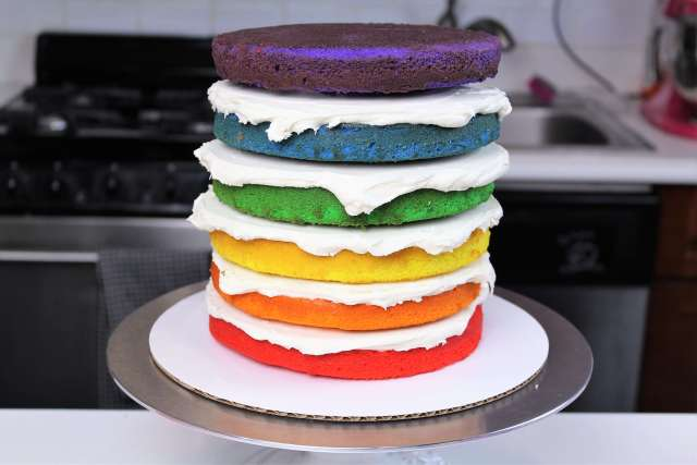 Can You Put Buttercream Layers Into A Ganached Cake