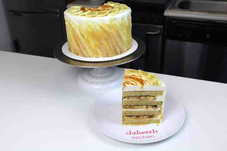 banoffee cake sliced