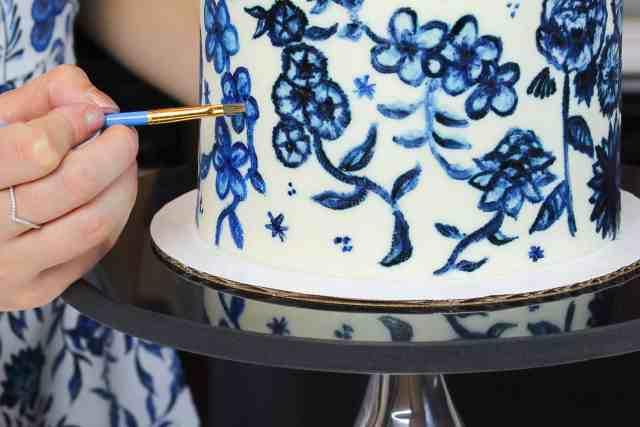 me painting blue cake-2