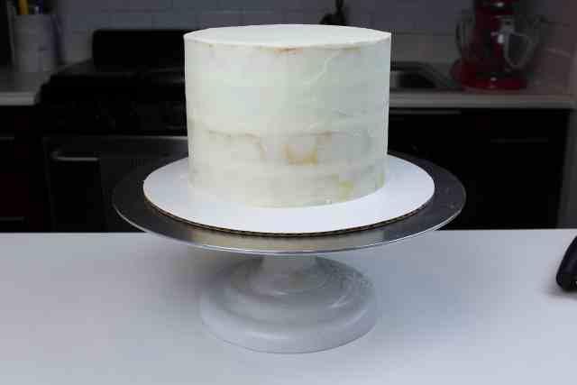 crumb coated white velvet sweater cake-2