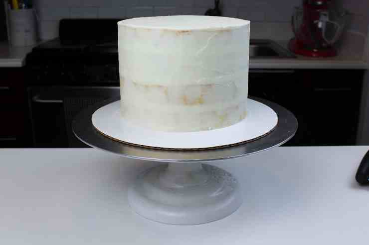crumb coated white velvet sweater cake-2