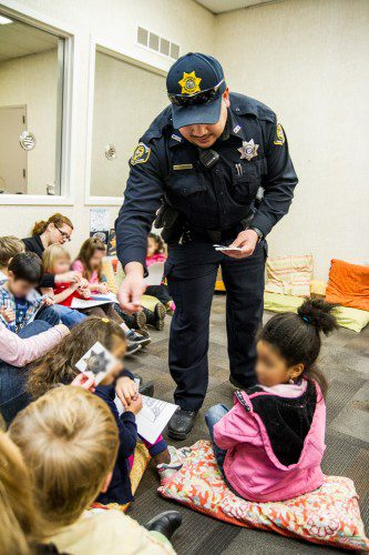 Chemeketa Officers Teach Young Children About 911 - The Courier