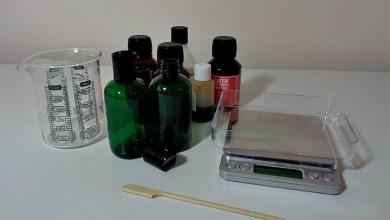 إستخدام الزيوت الطبيعية في صناعة منظف للوجه