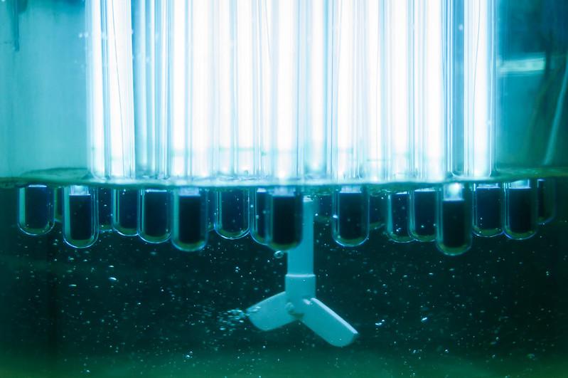 Přes 110 tisíc litrů dezinfekce vyrobila Fakulta jaderná a fyzikálně inženýrská ČVUT