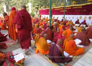 L'habillement d'un moine bouddhiste de tradition Theravada 9