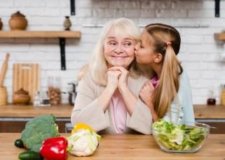 Que fais-tu, grand-mère ? 6