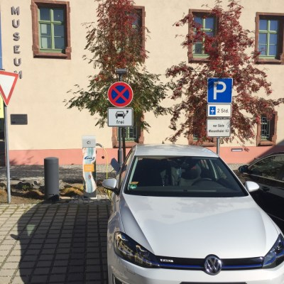 Auch die Gästeinformation in Oberwiesentahl ist fit für EMobility