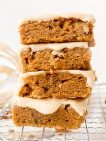 Easy Pumpkin Blondies Recipe with Toasted Pecan | Chenée Today