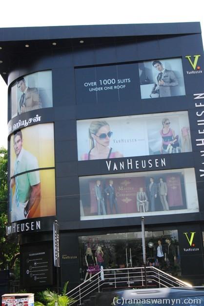 VanHuesen Exclusive Store