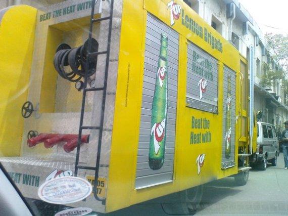 7Up's Marketing Van - Upclose