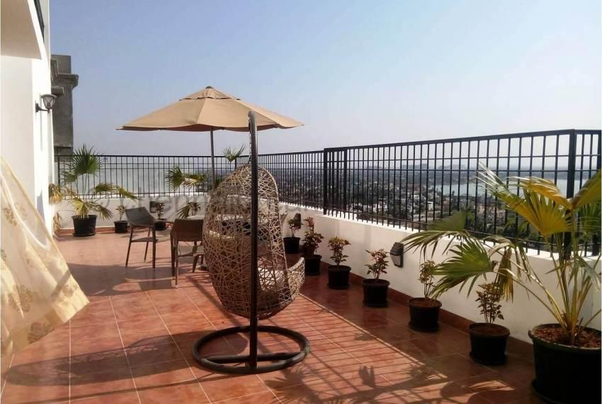 Penthouse - Private Terrace