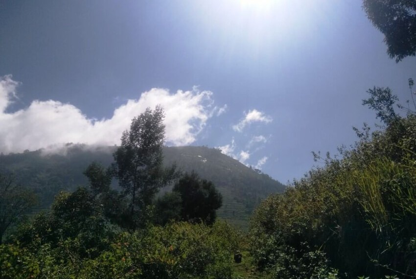 Mountains_shrouded_in_clouds