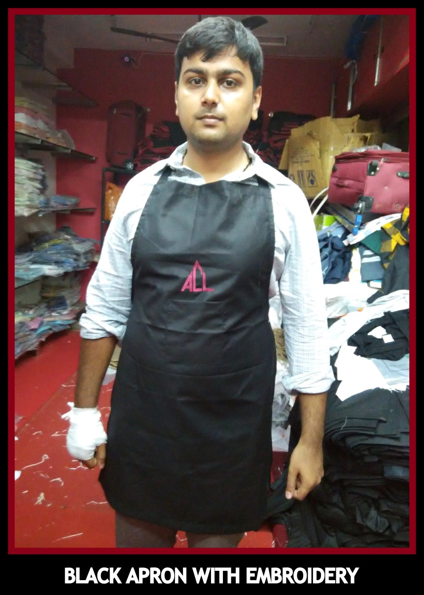 Aprons in black