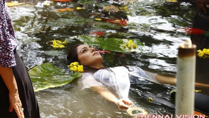 Tamil Actress Simran Making Photos by Chennaivision