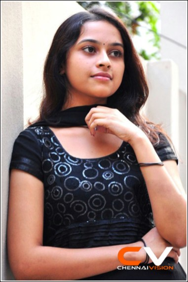 Tamil Actress Sri Divya Photos by Chennaivision