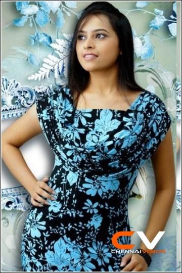 Tamil Actress Sri Divya Photos by Chennaivision