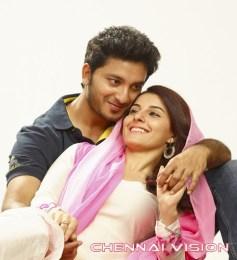 Meendum Oru Kadhal Kadhai Tamil Movie Photos by Chennaivision