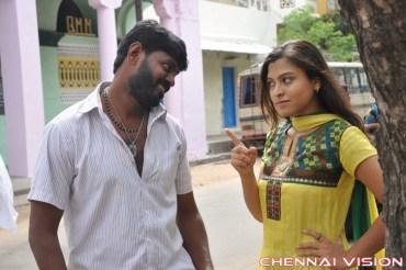 Saalaiyoram Tamil Movie Photos