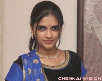 Tamil Actress Vasundhara Kashyap Photos