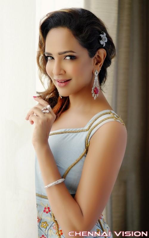 Tamil Actress Lakshmi Manchu Photos