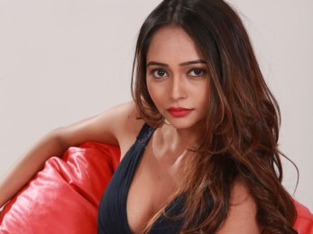 Tamil Actress Akriti Singh Photos