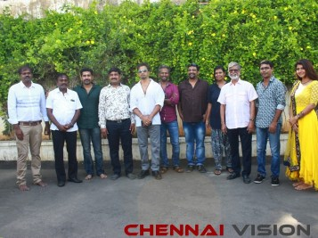 Kolaigaran Tamil Movie Pooja Stills