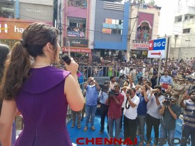 Actress RaashiKhanna launching a Big C store in Rajahmundry Event Photos 4