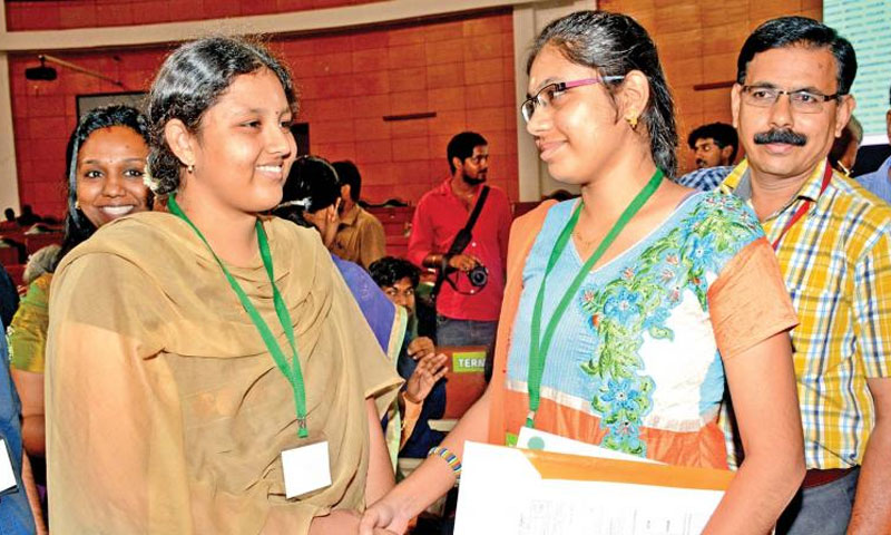 Girl who gave up medical seat to friend joins MMC