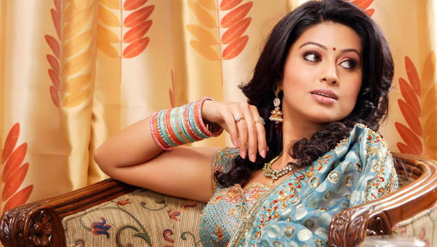Sneha on a signing spree