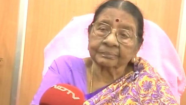 AIADMK leader Visalakshi passes away, Jaya speaks to family over phone