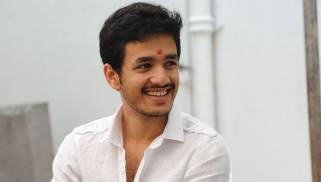 Akhil gets engaged, Samantha attends