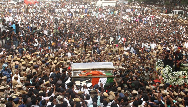 Lakhs throng to pay last respects to Jaya