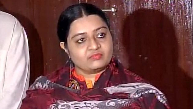 Deepa Jayakumar postpones political plans