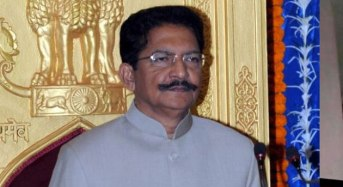 Governor not in mood to invite Sasi to form govt?
