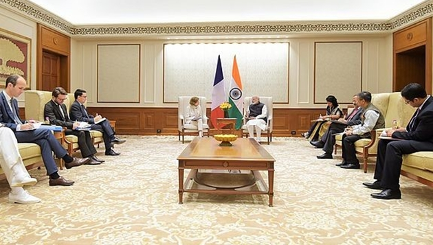French Minister for the Armed Forces calls on the Prime Minister