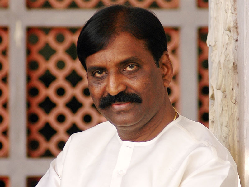 Andal row Jeer goes on fast again seeking apology from Vairamuthu
