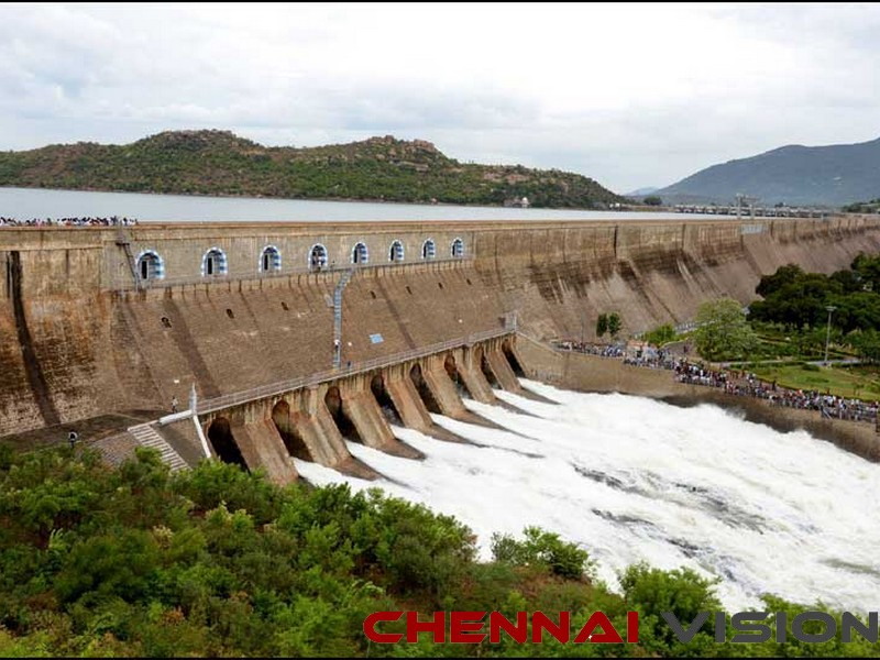 CM opens water from Mettur, says AIADMK fetched Cauvery water to TN