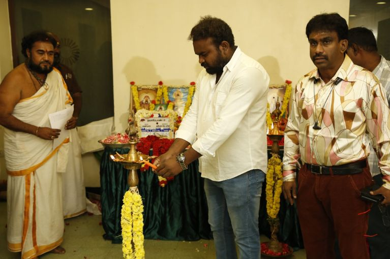 Vijay TV Fame Ramar Pairs with Sanjay Galrani Movie Pooja Stills (42)
