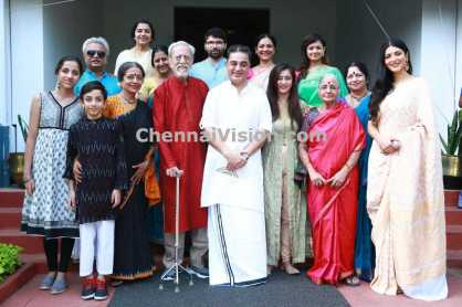 kamal haasan with family members