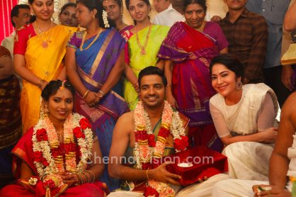 actor-sathish-wedding-photo-2