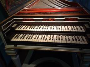 Brussels MIM harpsichord 2 keyboard