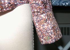 Vogue 8772 nectarine silk:cotton cuff
