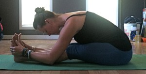 Paschimottanasana: Seated forward bend