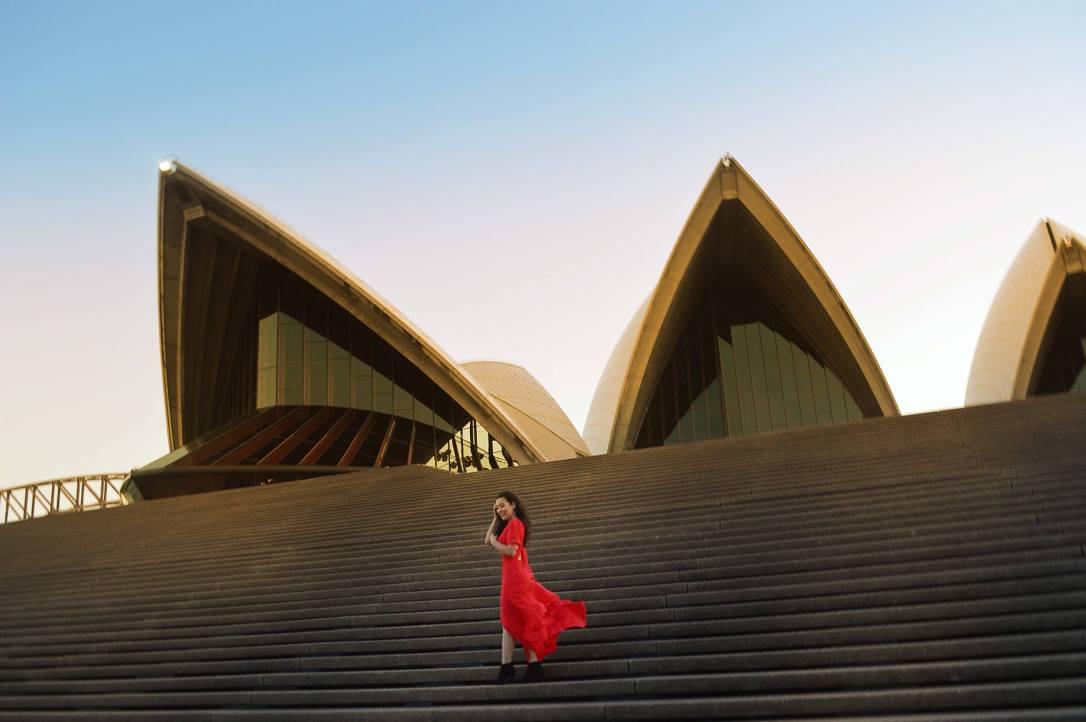 sydney-opera-house-australia-red-dress