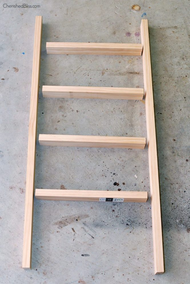 Make A Rustic Ladder For 7 Dollars How To Furniture Woodworking Projects