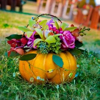 fall-wedding-rustic-halloween-wedding-decor-ace-photography-2