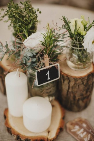 wedding-centerpiece-ideas-with-tree-stumps-for-forest-weddings